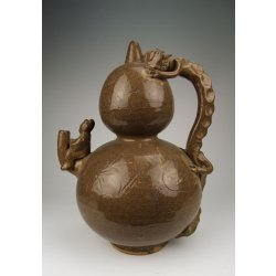 Song Dynasty Yue Ware Porcelain Vine Pot With Dragon Handle