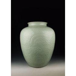 Qing Dynasty QianLong Reign Bean Light-Green Glaze Porcelain Pot With Dragon Pattern